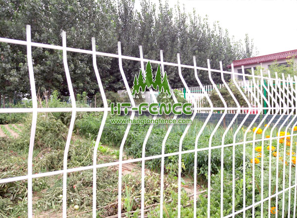 Image Of Top Welded Wire Fence
