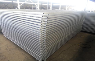 Production and loading of security fence products in our factory