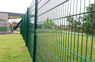 Characteristics of twin wire mesh fencing panel